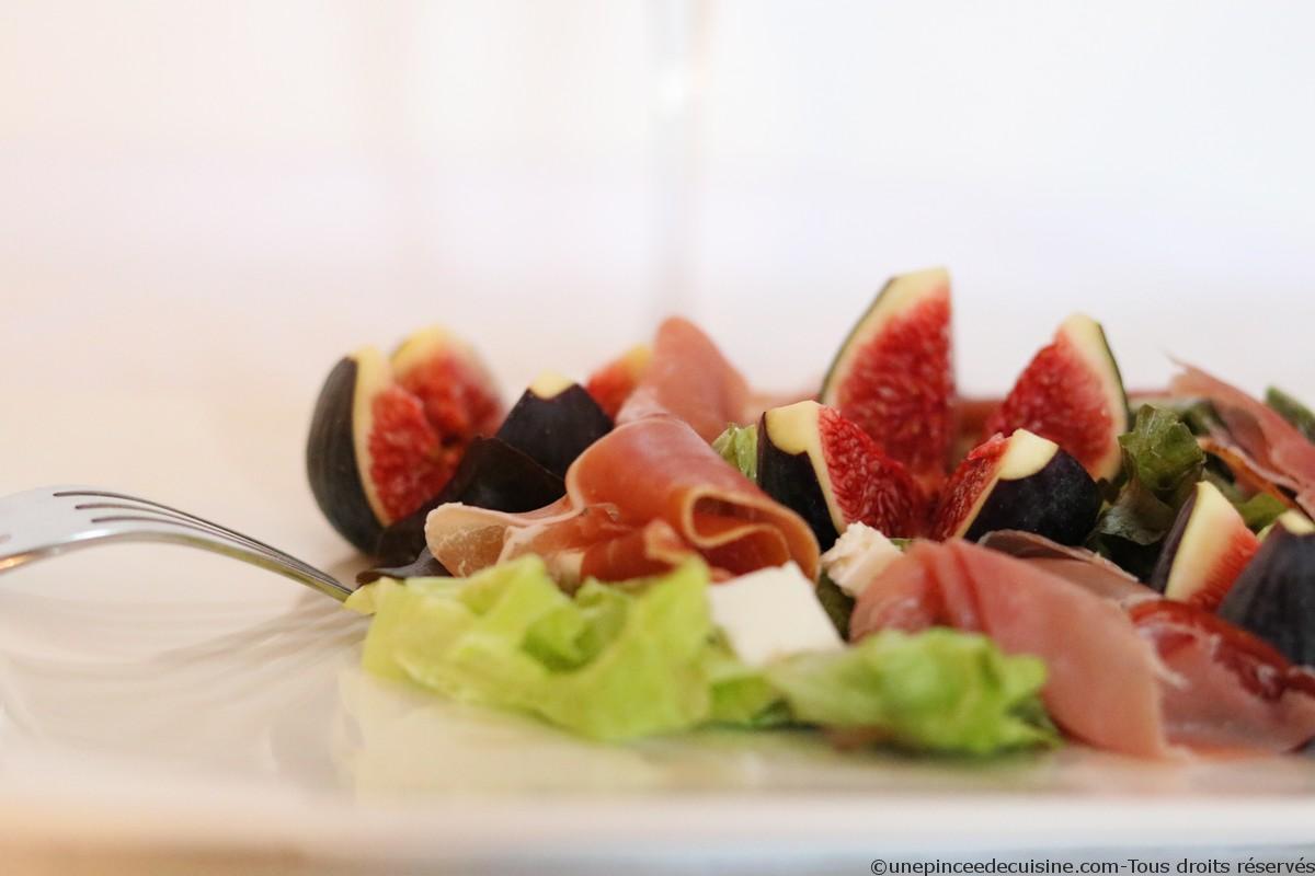 Salade figues feta et jambon cru