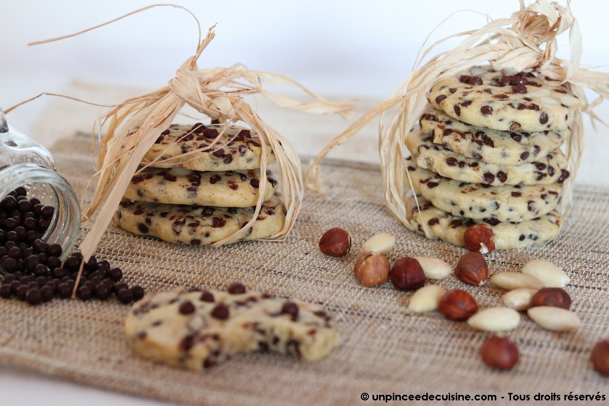 Cookies noisettes amandes et pépites de chocolat
