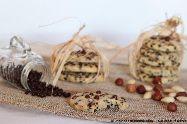 Cookies noisettes amandes et pépites de chocolat une pincee de cuisine